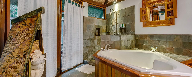 garden jaccuzi suite bathroom at chaa creek belize