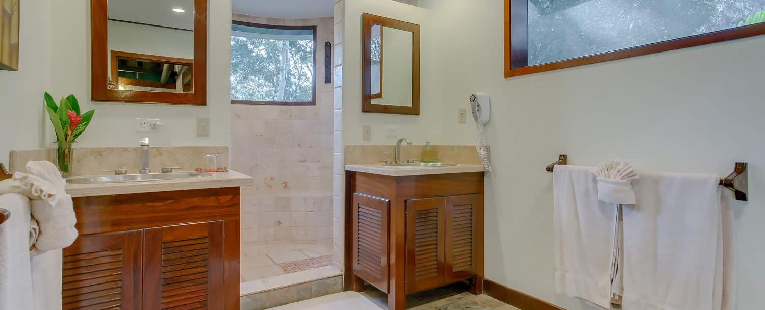belize luxury macal suite bathroom at chaa creek resort